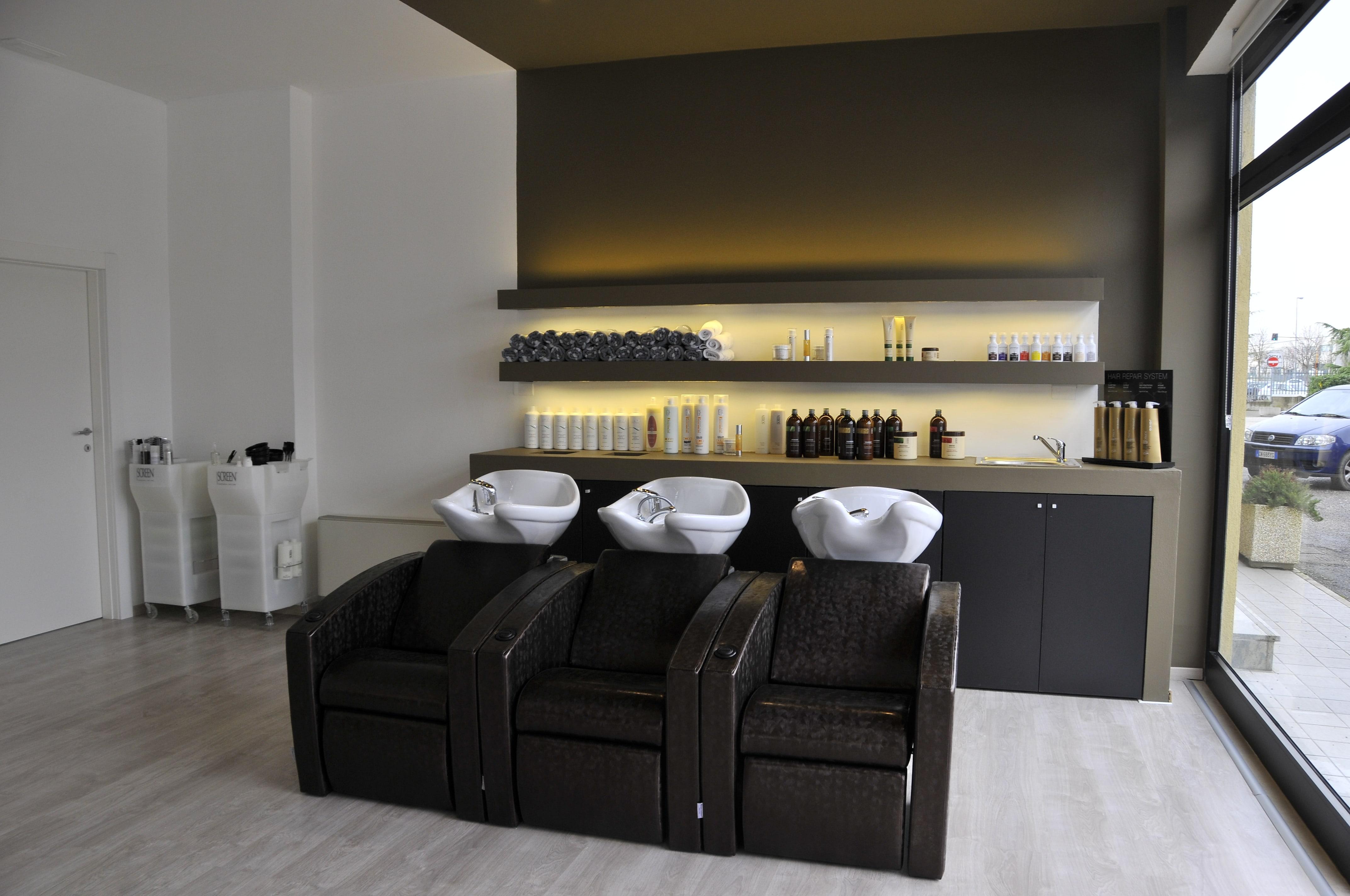 Arredamenti per saloni di parrucchiere e centri di for Di bartolo arredamenti srl